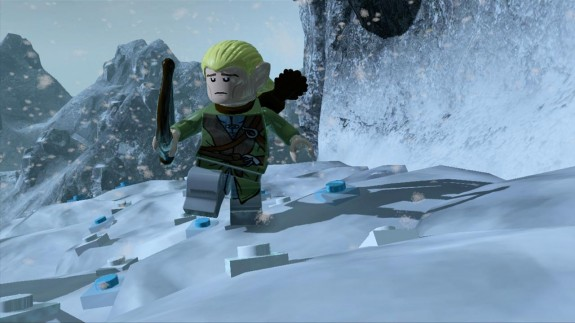 Lego-las tip toes on snow.